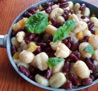 Gnocchi s červenými fazolemi a olomouckými syrečky