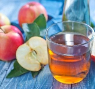 Horký nápoj z jablek