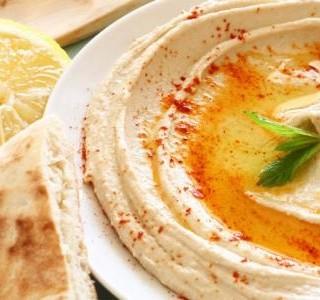 Hummus s citronem a koriandrem