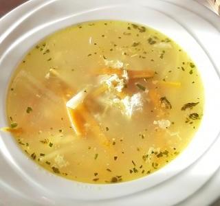 Jednoduchá kuřecí polévka