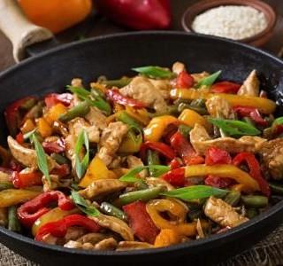 Kuřecí směs se zeleninou a rýží