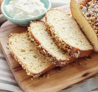 Low carb jogurtový chléb