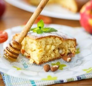 Mandlový koláč s medem