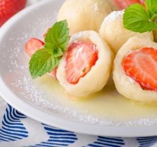 Rychlé jahodové knedlíky