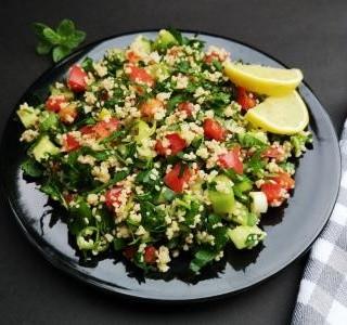 Rychlý salát z kuskusu