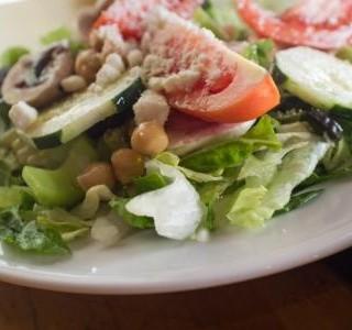 Salát Caesar s cizrnou