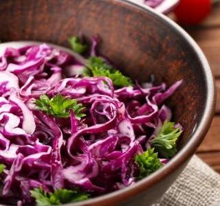 Salát z čerstvého zelí