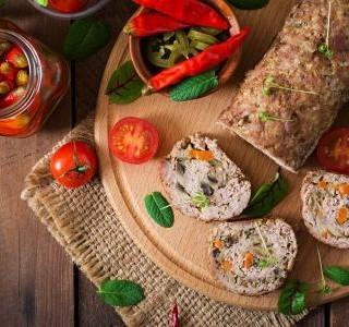Sekaná z masa a zeleniny