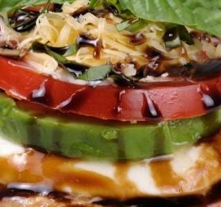 Smažená mozzarella s  bazamikovou polevou