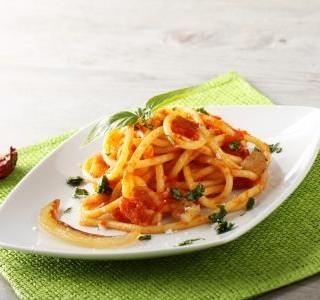 Špagety s pikantní omáčkou