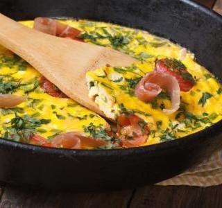 Šunková omeleta s hráškem
