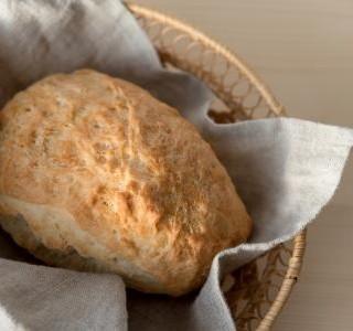 Světlý bezlepkový chléb