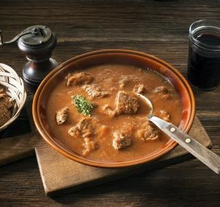 Výborná gulášová polévka
