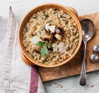Žampiony na česneku s rýží