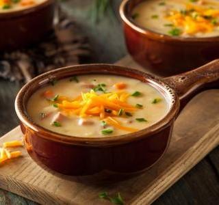 Zeleninová polévka se sýrem