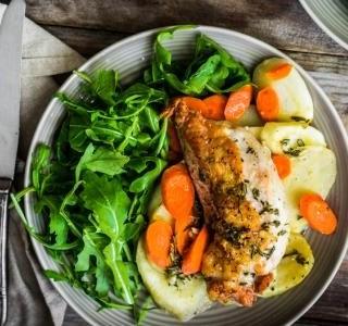 Jaký salát ke grilovanému masu?