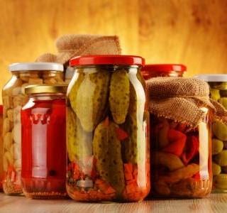 Nakládaná a sušená zelenina jako nevyčerpatelný zdroj vitaminů