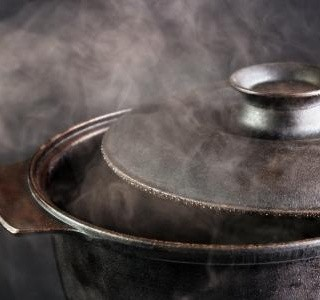 Nepostradatelné kuchyňské nádobí – hrnce, pánve, kastroly