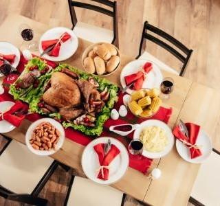 Prostíráme stůl ke štědrovečerní večeři