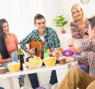 Tipy na zdravé jídlo k posezení s přáteli