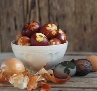 Zdobení vajíček podle receptů prababiček a barevná symbolika